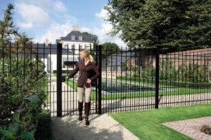 Part of the extensive range of gate hardware from LOCINOX.