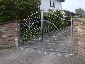 swinging-gates-grande-forge-wrought-iron