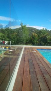 glass-balustrade-pool