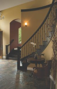 traditional-yet-modern-looking-balustrade-page-castel-masters-line-picture