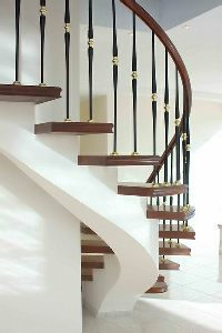 traditional-yet-modern-looking-balustrade-stairs