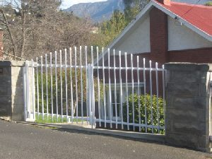 swinging-gates-victorian-style
