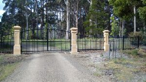 swinging-gates-pillars