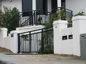 sliding-gates-black-double-top-rail