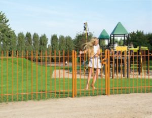 swing40-spring-hinge-playground